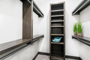 3875-estancia-closet